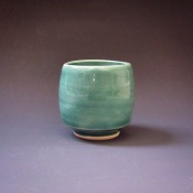 Small porcelain teabowl, 35
