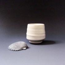 Tiny porcelain teabowl, 50